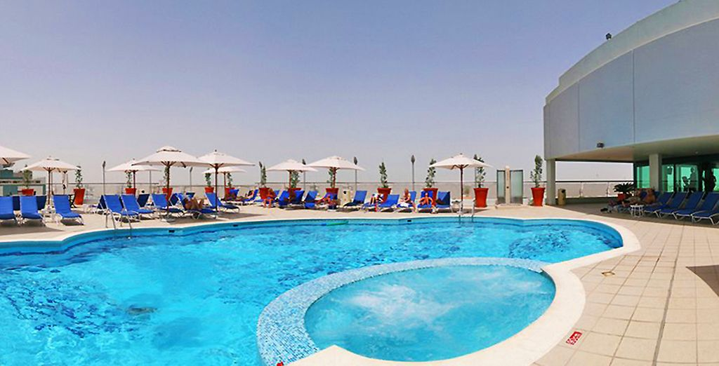 Et profiterez du confort de votre hôtel 4* Rotana Towers