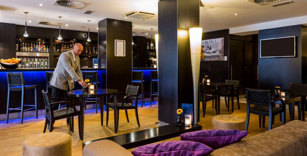Profitez du bar Lounge pour partager un verre