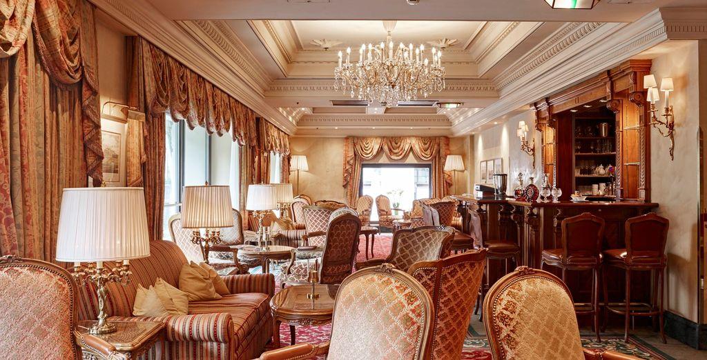 Hôtel 5 étoiles avec salon, restaurant gastronomique et bar