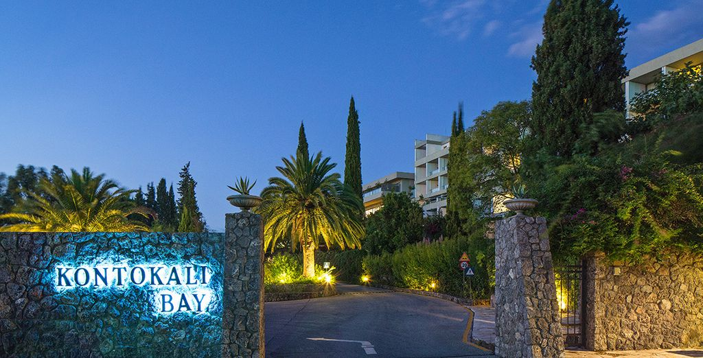 En posant vos bagages au Kontokali Bay - Hôtel Kontokali Bay Resort & Spa ***** Luxe Corfou