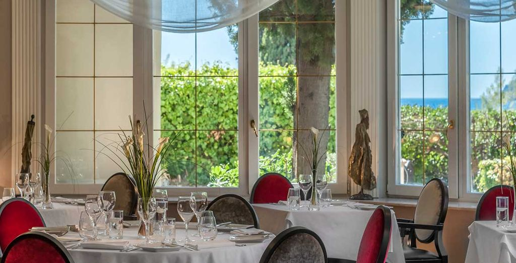 Avant de regagner le restaurant La Table du Château, qui vous accueille dans un cadre exceptionnel