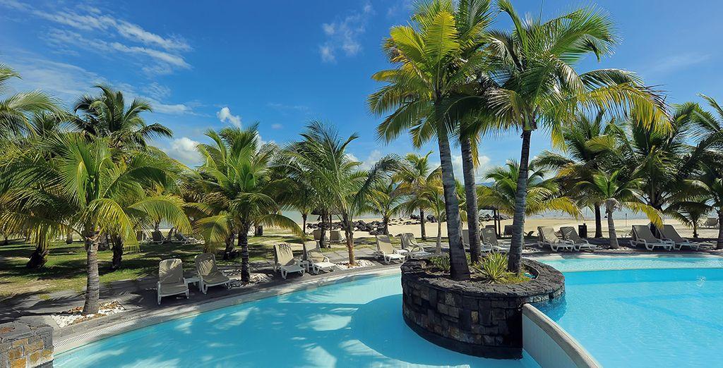 Avec ses piscines, ses 3 plages idylliques...