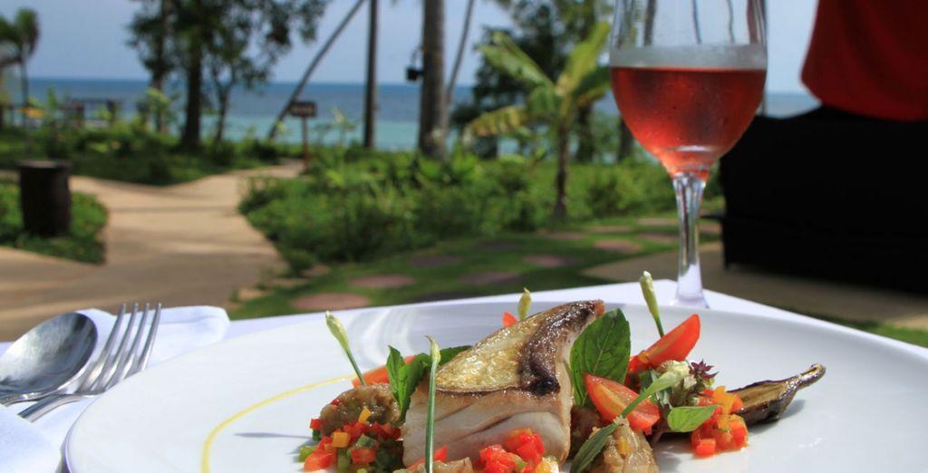 Pour vos repas, dégustez de déclicieuses saveurs de la mer au restaurant La Plage