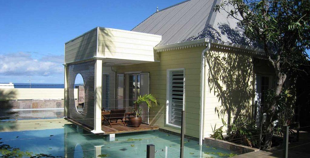 A Saint-Pierre, la maison d'hôtes Villa Belle vous propose un hébergement d'exception alliant luxe, charme et authenticité
