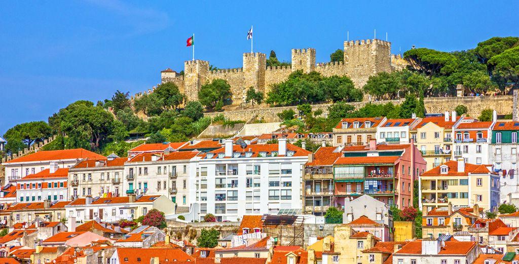 Le château Saint Georges sur les hauteurs de Lisbonne
