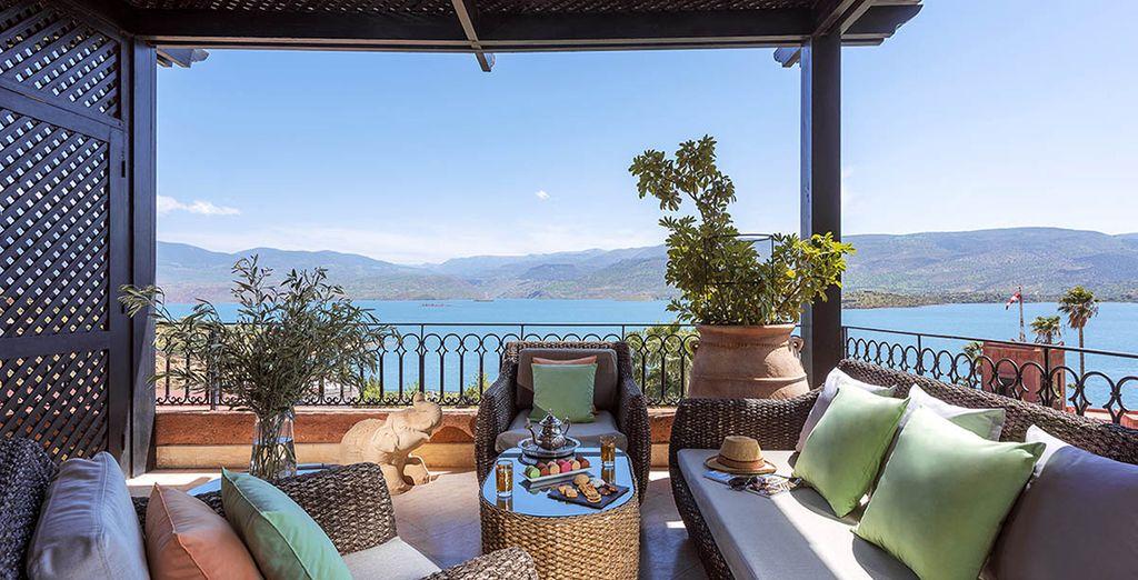 avec terrasse et vue sur le lac !