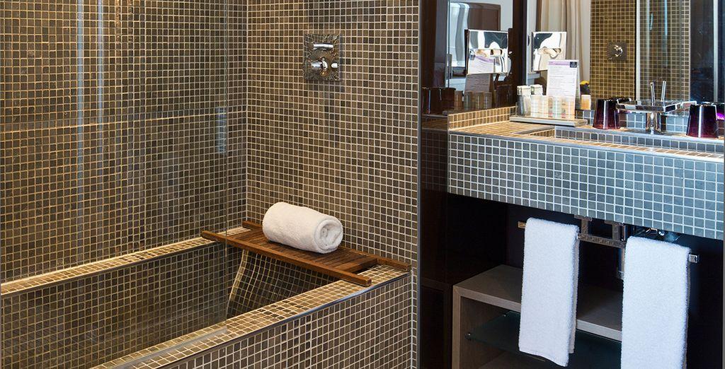 Et une salle de bain spacieuse et parfaitement équipée