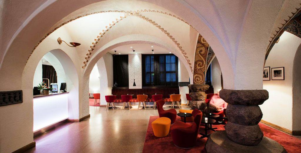 Installez-vous dans un hôtel mêlant harmonieusement style Art nouveau et style contemporain