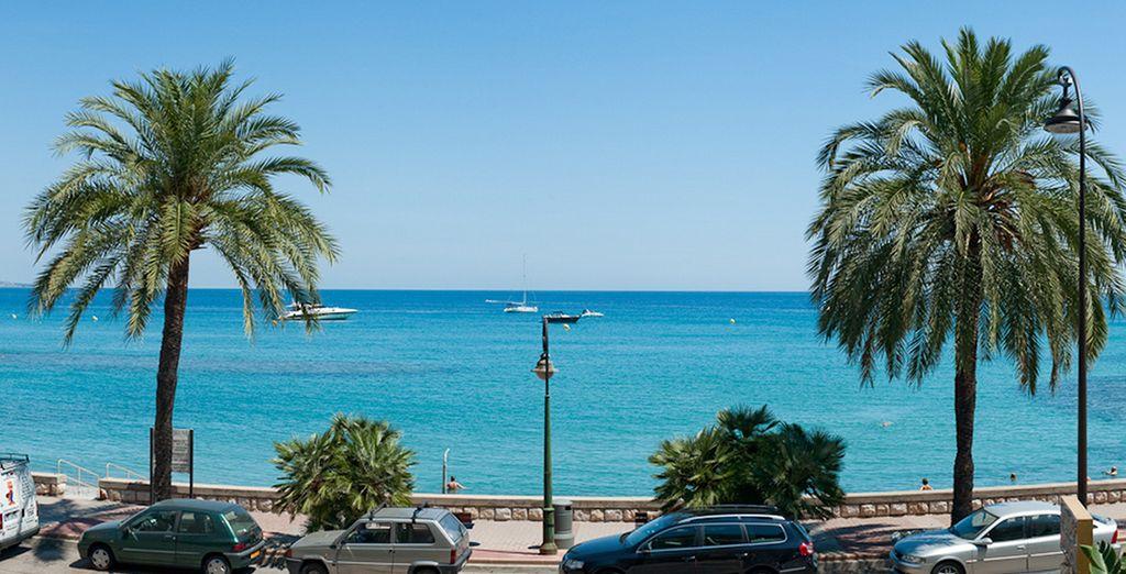 Attendez de voir ce que vous offre la vue depuis votre balcon : la Méditerranée !