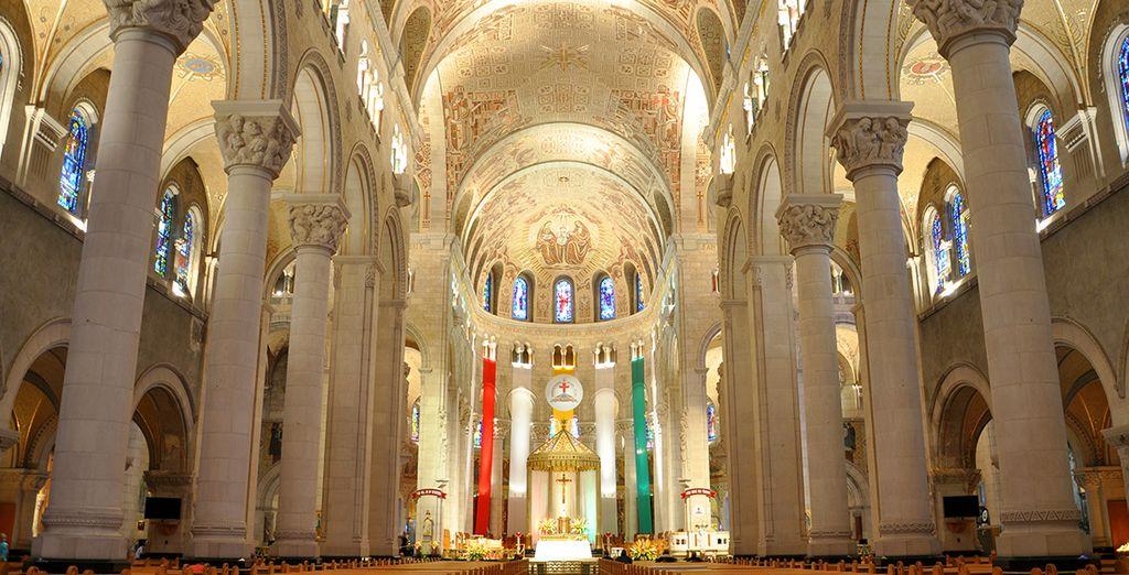 Laissez-vous guider jusqu'à la Basilique Ste-Anne de Beaupré