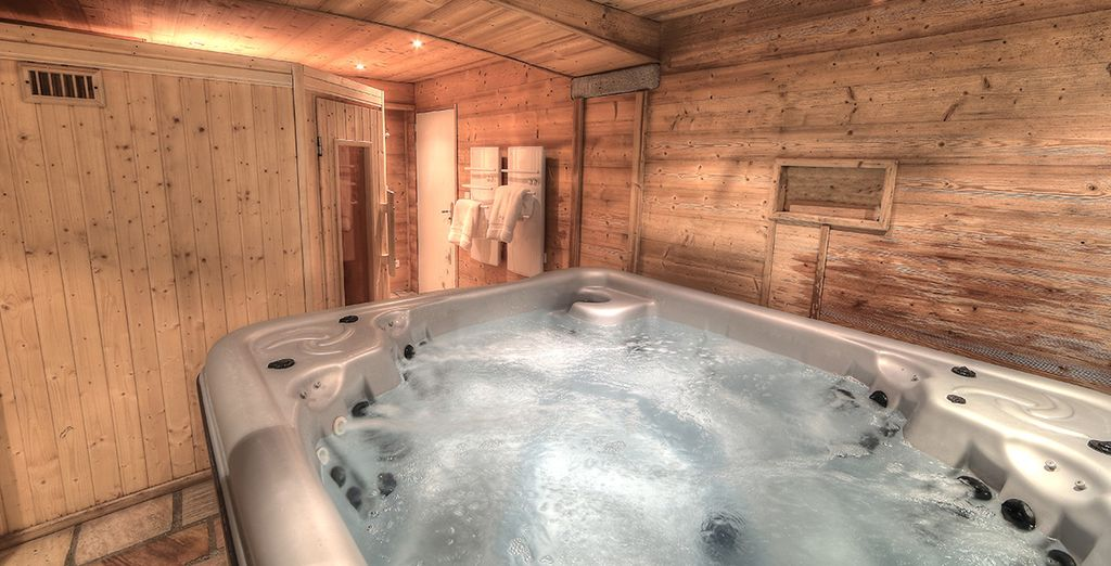Et un bain à remous, communs aux 3 appartements du chalet !