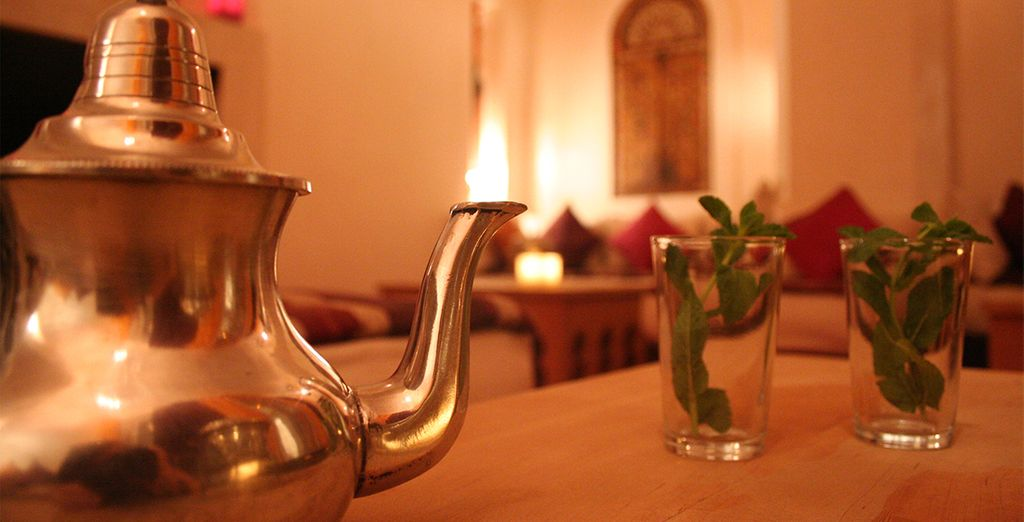 Après avoir savouré un thé à la menthe accompagné de quelques pâtisseries marocaines...