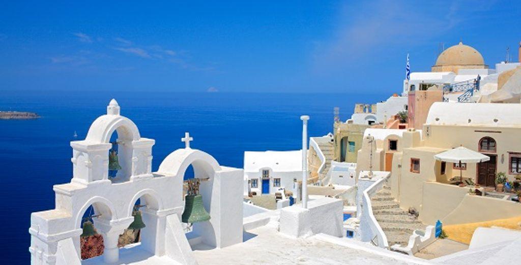 Les cloches d'une église à Santorin - Combiné Santorin - Folegandros - Ios - Santorin en hôtels 4* Santorin