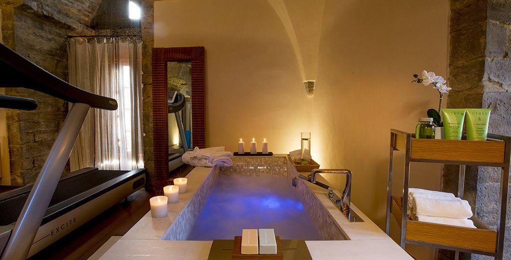 un bain à remous et un bain vapeur dans votre suite