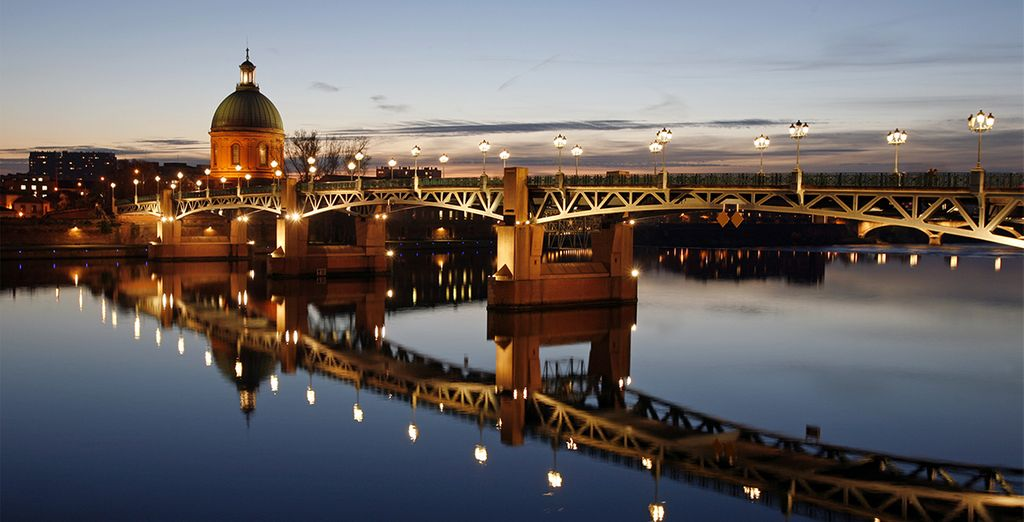 Visitez la place du Capitole de Toulouse