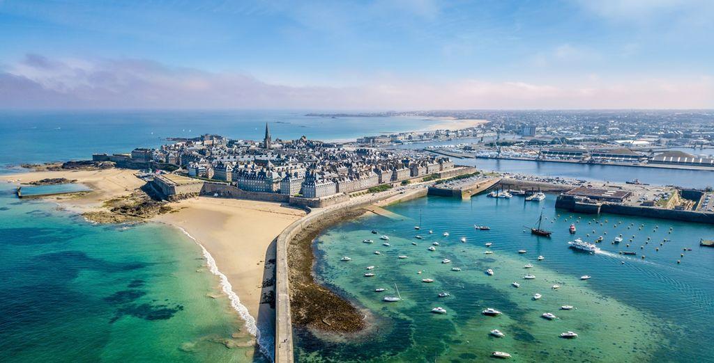 Panorama de la ville fortifiée de Saint Malo