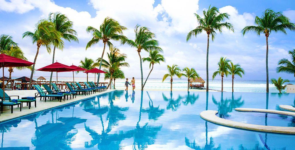 Hôtel haut de gamme tout confort au Mexique avec piscine extérieure, espace détente et plages de sable fin