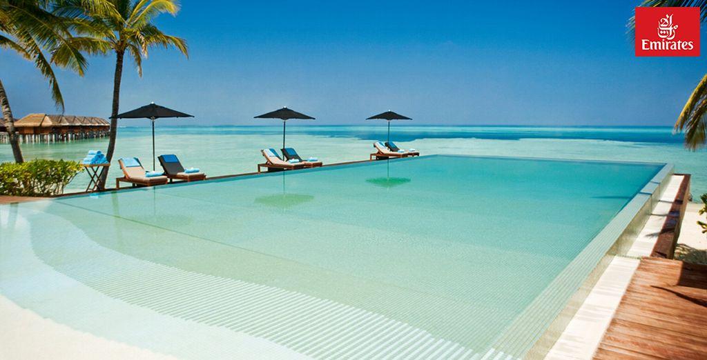 Bienvenue au LUX* Maldives 5* - LUX* Maldives 5* - Vol en classe Affaires Emirates Ari Atoll