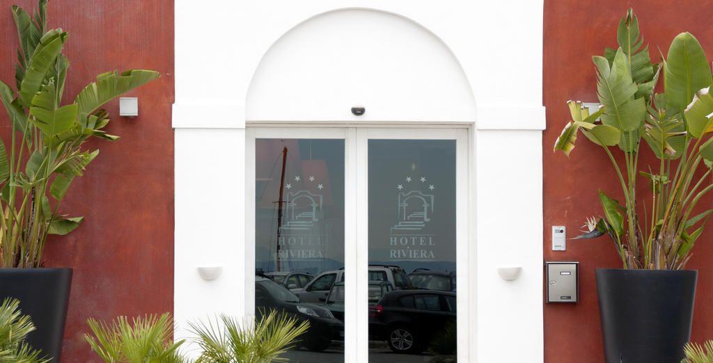 Aprite le porte di un hotel meraviglioso nel cuore del villaggio di Carloforte