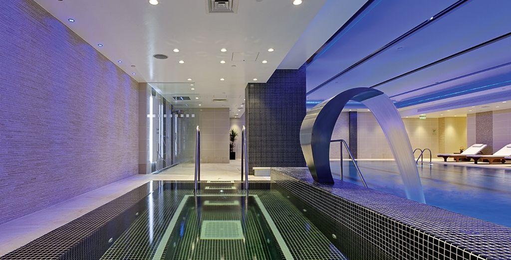 Godete di momenti di puro benessere presso la SPA e concedetevi una nuotata rigenerante in piscina