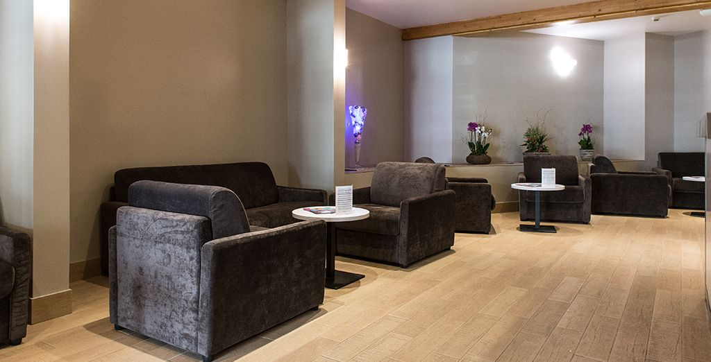 Per poi rilassarvi accomodandovi nella lobby