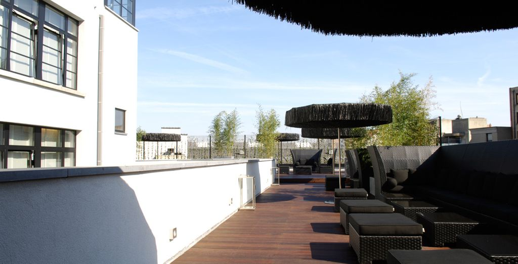 Se c'è il sole, andate sulla terrazza dell'hotel per gustare un drink dopo il tramonto