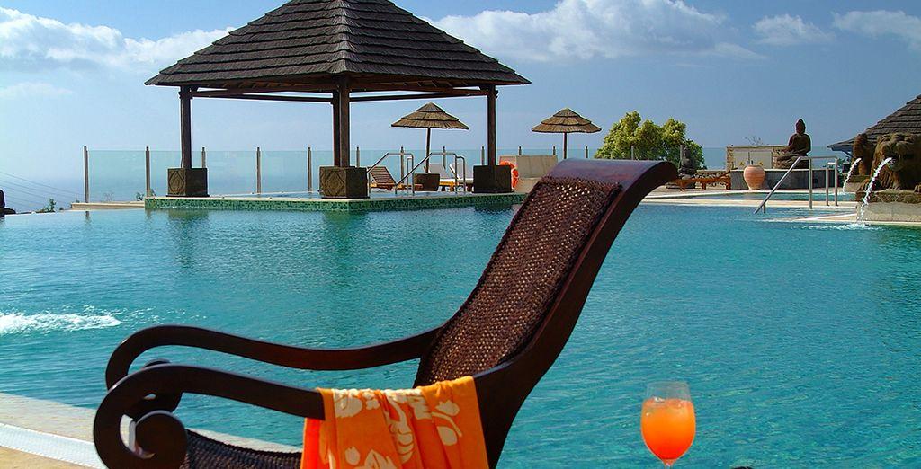 Resterete incantati dalla bellezza della piscina infinity
