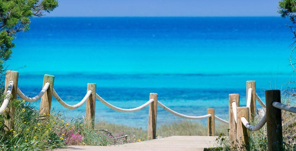 Fotografia dell'isola di Formentera nelle Isole Baleari e delle sue bellissime spiagge dalle acque turchesi