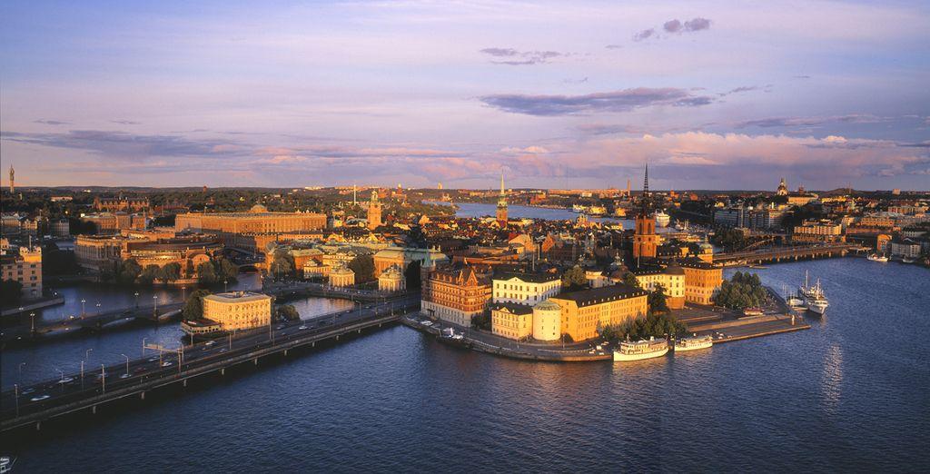 Con la prima crociera partirete dalla bellissima Stoccolma, gioiello del Mar Baltico