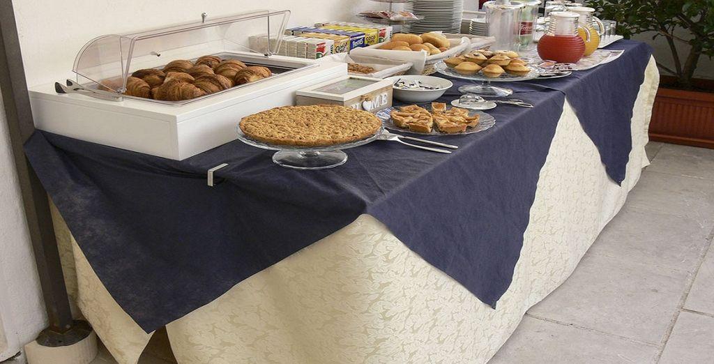 Iniziate al meglio la giornata con una ricca prima colazione a buffet