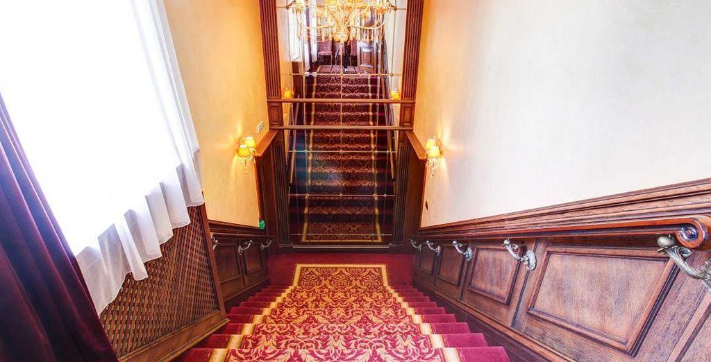 l'hotel è in un mondo dagli interni eleganti