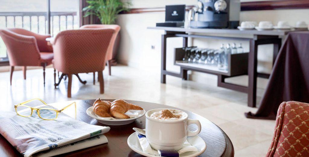 Gustate una ricca prima colazione al mattino