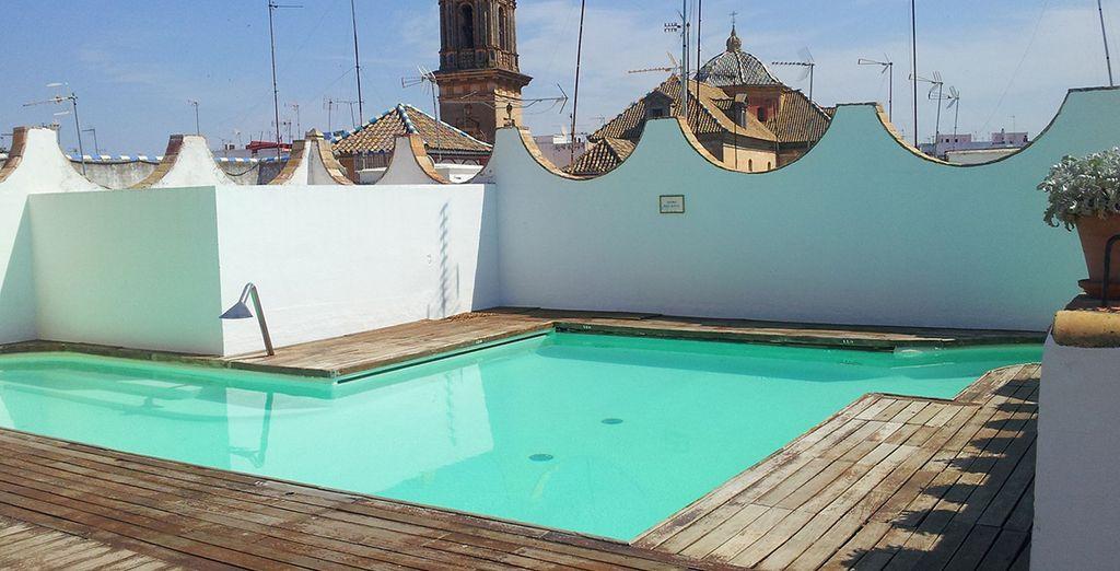 godetevi un momento solo per voi a bordo piscina