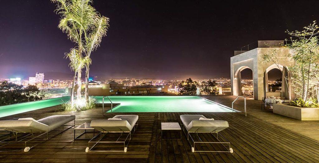 rilassatevi alla sera a bordo piscina