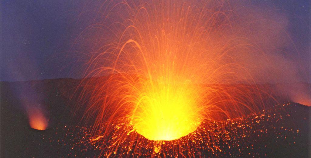 rimarrete affascinati dalla sciara del fuoco di Stromboli