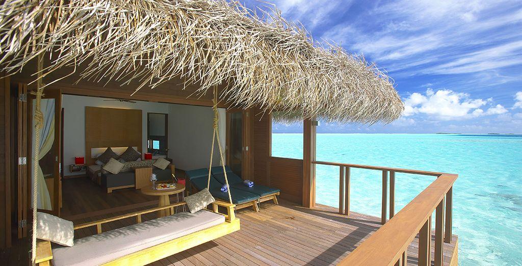 Hotel di lusso e camera singola con vista sull'Oceano Indiano e le sue acque turchesi
