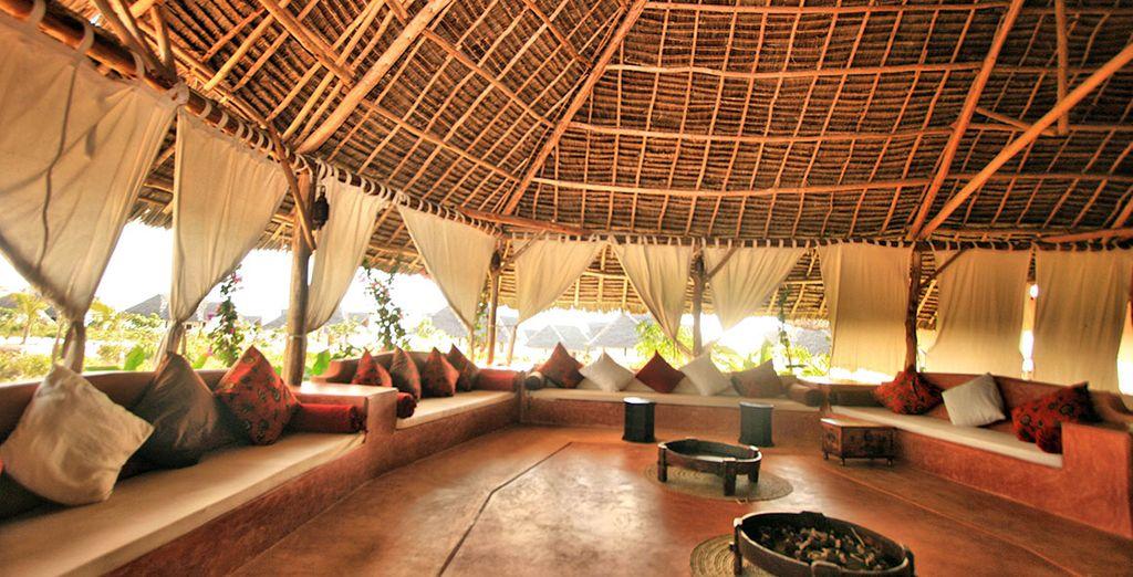 Vivete la tipica atmosfera della Tanzania nella lobby dell'hotel