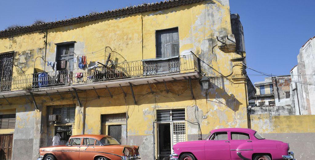 Case colorate e automobili anni '50 faranno da sfondo alla vostra vacanza