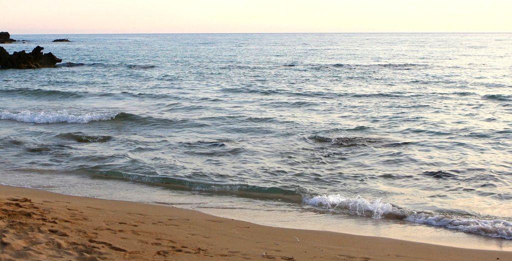 Fate un salto in spiaggia a un passo dalla struttura