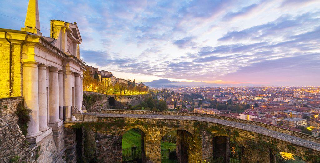 Porta San Giacomo e l'accesso a città Alta