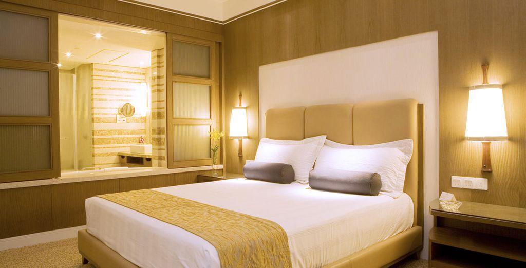 A Delhi, soggiornerete presso il Crowne Plaza Today New Delhi Okhla Hotel 5*