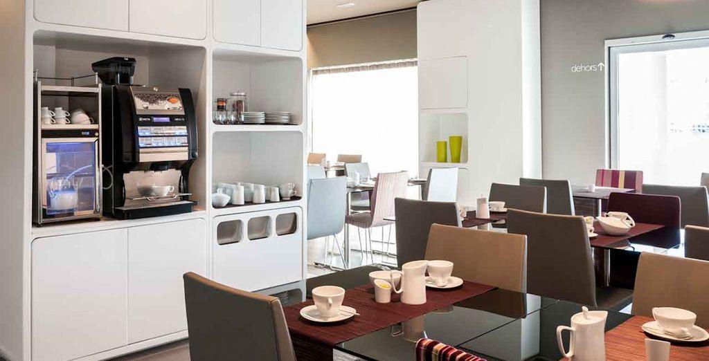 Iniziate la giornata nella rilassante sala colazione
