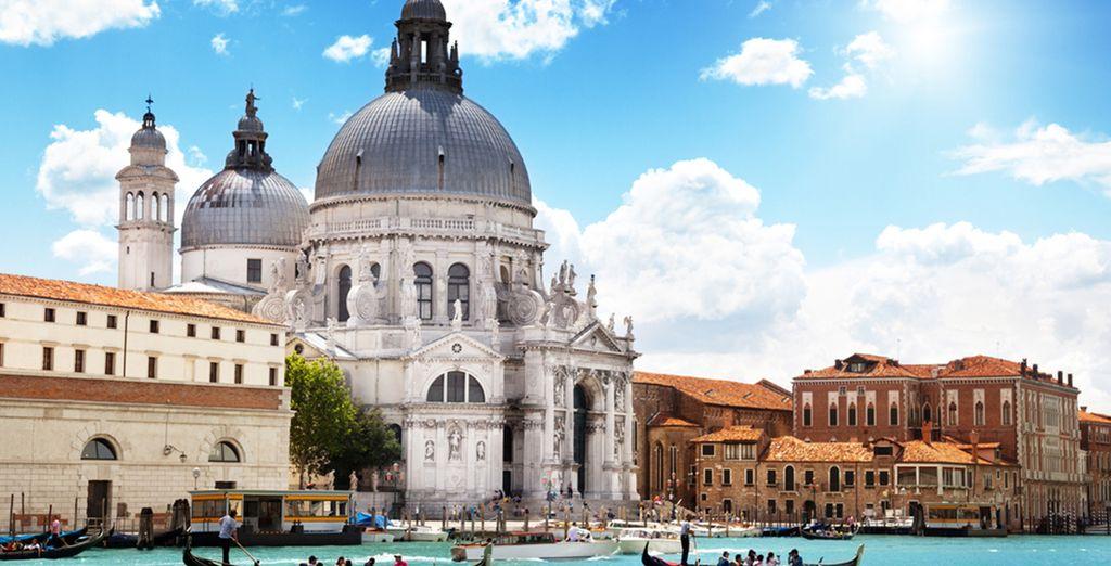 Avrete anche la possibilità di visitare città come Venezia, distante pochi km