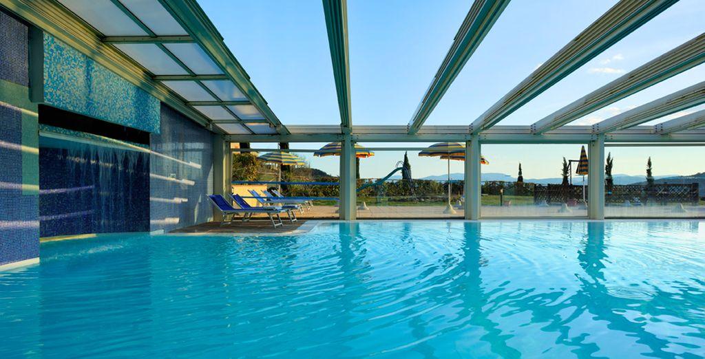 Immergetevi nel relax della piscina coperta