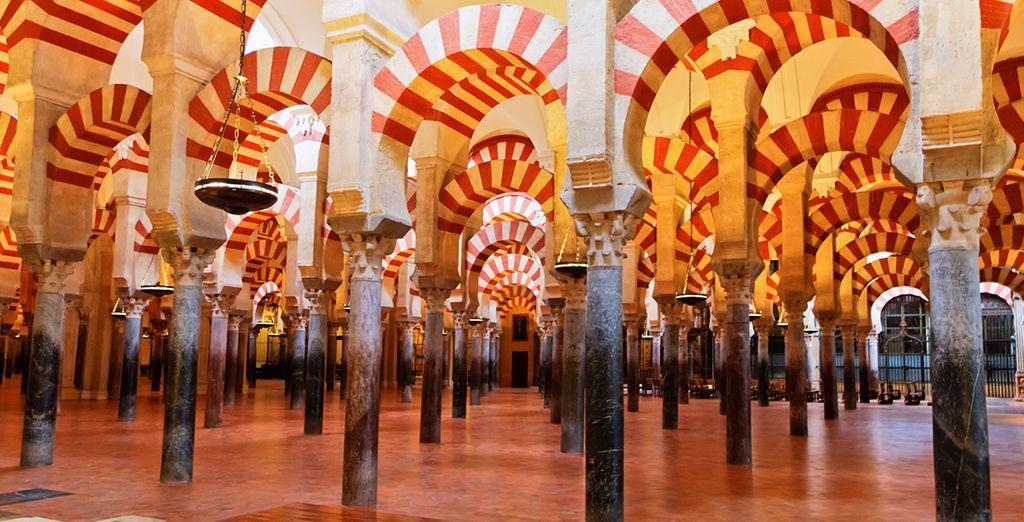 e architetture uniche come la grande Moschea