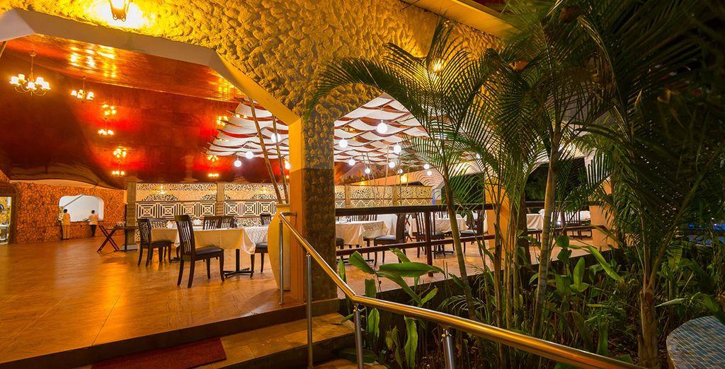 Il ristorante offre piatti provenienti da tutto il mondo