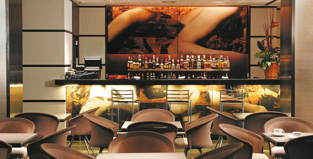 Godete dell'atmosfera del Lounge Bar Moments