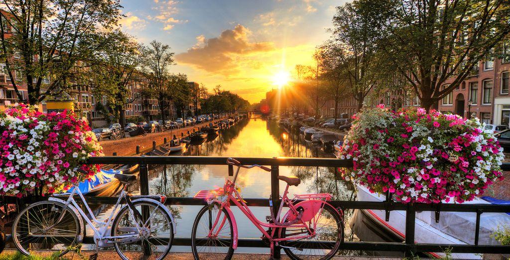 Fotografia di Amsterdam e dei suoi canali imperdibili nei Paesi Bassi