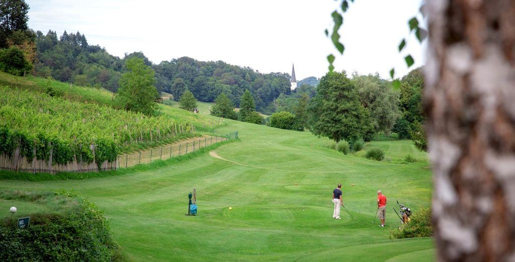 Potrete usufruire di un campo da golf nel raggio di 3 km