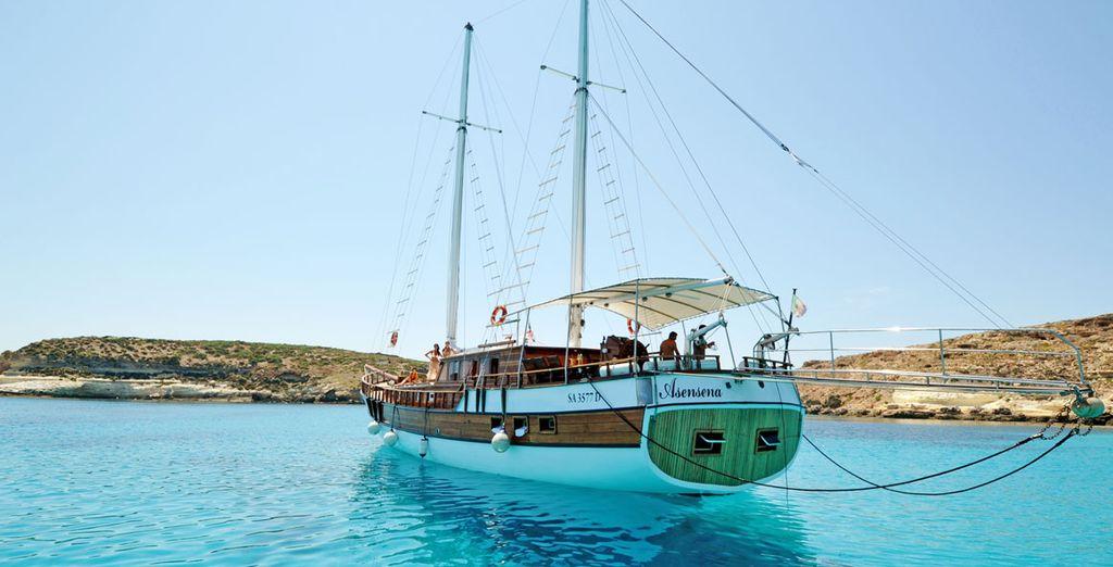 Salpate a bordo del Caicco, imbarcazione tipica del mare Mediterraneo di 24 metri